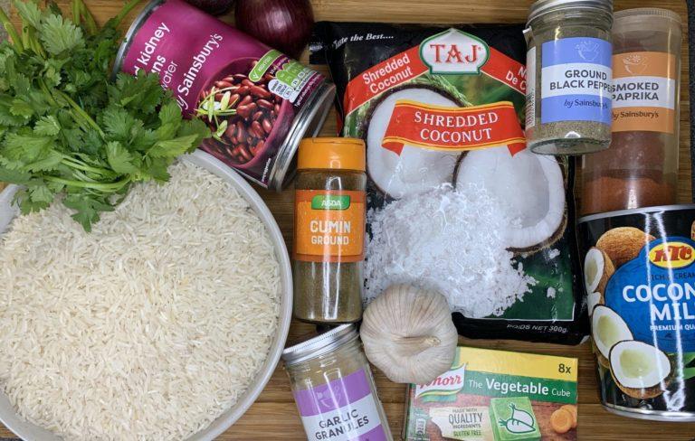 Arroz habichuelas con coco ingredients